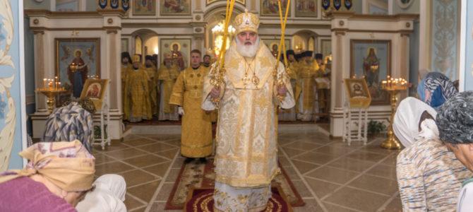 7 июля в Покровском кафедральном соборе г.Сарапула благочинный Алнашского округа поздравил с днем тезоименитства.